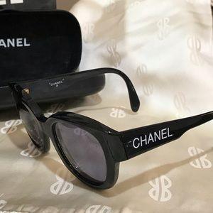 Vintage CHANEL black Sunglasses